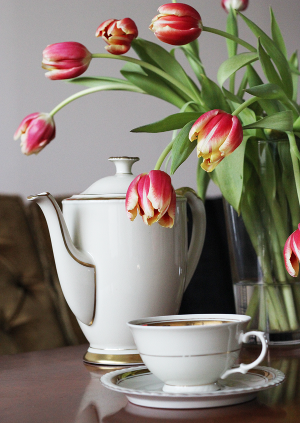 vintage_teapot_cup