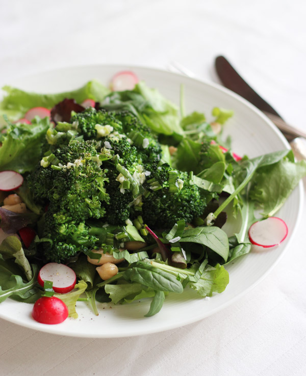 green-salad-broccoli