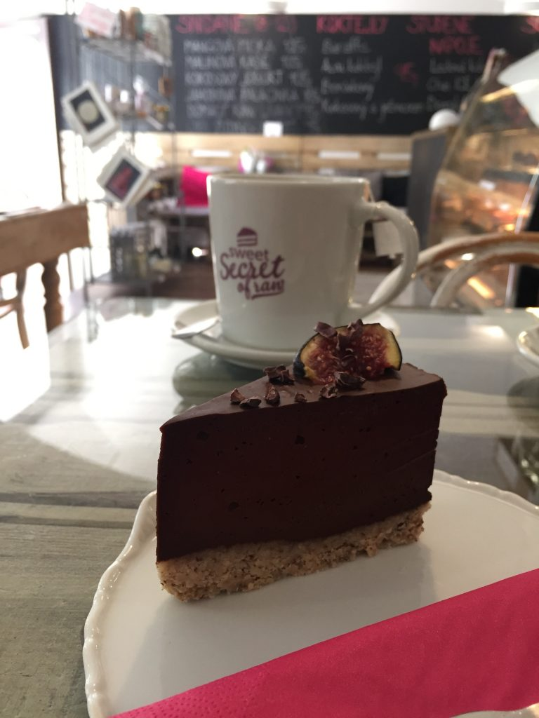 sweet_secret_of_raw_prague_cake
